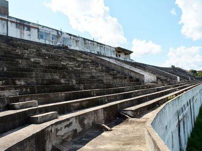 Estadio municipal de Concepción sigue inhabilitado y promesas de culminación sin cumplirse