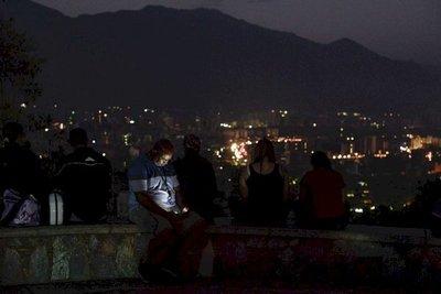 Venezolanos se agrava en tercer día de masivo apagón