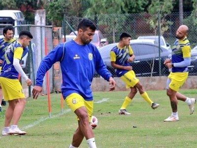 Salcedo e Irrazábal volverían al equipo