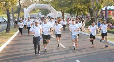 Con maratón celebran 25 años de generación en Yacyretá