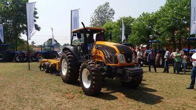 Entregan implementos agrícolas en San Pedro