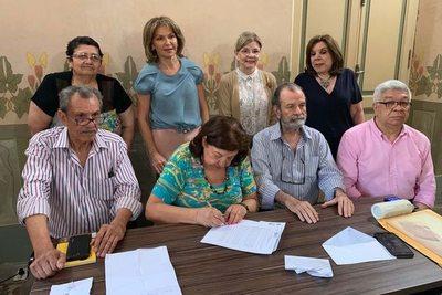 Premio Roa Bastos para Martínez Cuevas