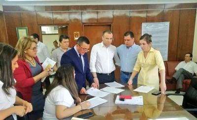 HOY / La mafia del Indert: Fiscalía realiza imputaciones y continúa con las investigaciones