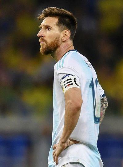 Conmebol mantiene la suspensión de Messi