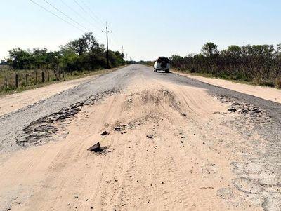 Tramo Isla Umbú-Pilar está minado de baches