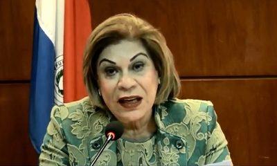 """Ministra """"high level"""" quiere su foto en todas las circunscripciones del país"""