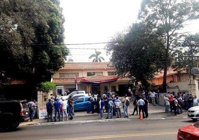 Exobreros de Acepar levantan huelga tras llegar a un acuerdo con la Procuraduría
