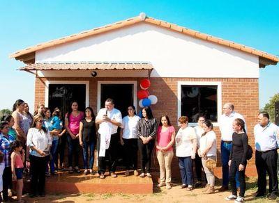 Entregan casas a 35 familias de San Miguel