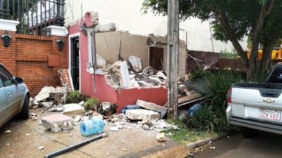 Derriban lujosa caseta de seguridad de Zacarías Irún