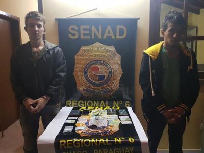 Detienen a 2 supuestos distribuidores de drogas en Filadelfia
