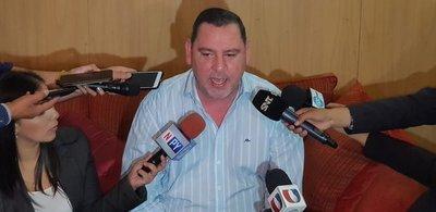 Zacarías Irún anuncia querella contra Miguel Prieto
