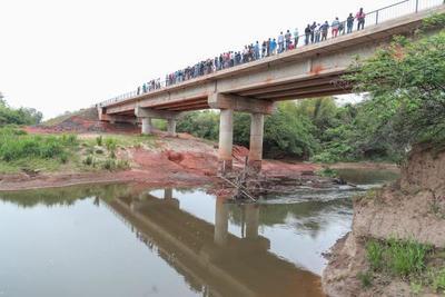 Nuevo puente sobre el río Tebicuary une a localidades de Caazapá e Itapúa