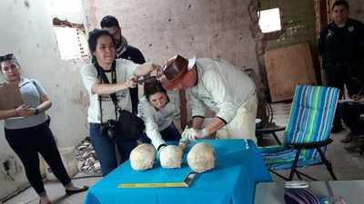 Afirman que restos óseos fueron plantados en excasa de Stroessner por orden de Mbururú