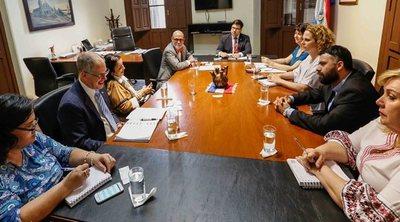Canadá interesado en realizar audiovisuales sobre culturas originarias con Paraguay