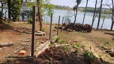Emplazan a ocupantes de la vera del lago Acaray a liberar espacio o derrumbarán estructuras