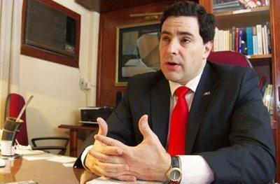 Renunció de comisión asesora de Itaipú porque en el grupo están defensores de acta entreguista, afirma