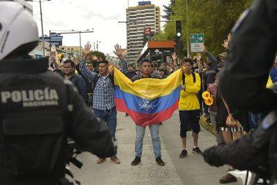 Crisis en Ecuador: Huelga de transporte y escuelas vacías