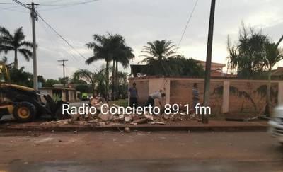 Concejal Lilian de Aguinagalde libera vereda tras ser emplazada