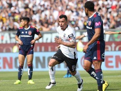 Colo Colo triunfa en el clásico chileno y deja a la U de Chile en la lona