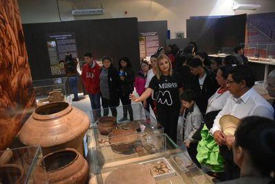 Noche de los Museos se estrena con éxito en Ayolas
