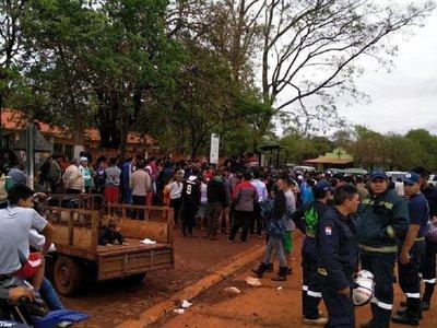 Presidente Franco: Afectados por temporal reclamaron asistencia
