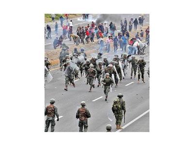 Indígenas rechazan diálogo y sube la tensión en Ecuador