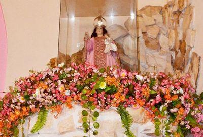 Honran a la Virgen y celebran aniversario