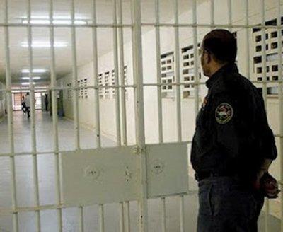 Suspenden huelga de guardiacárceles