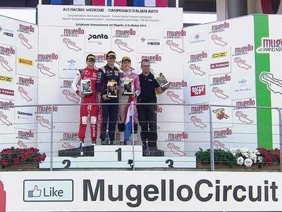 Joshua Duerksen, al podio en Mugello