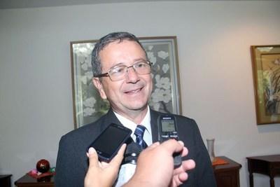 Diputados decide mañana si interpela a presidente del Indert