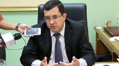 Senador critica exorbitantes pedidos de aumentos presupuestarios por parte de instituciones