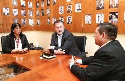Gloria Paredes asumió como nueva directora de Catastro