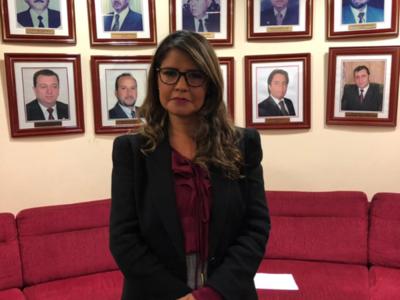 No se puede justificar la corrupción con el argumento de los bajos salarios, dice viceministra