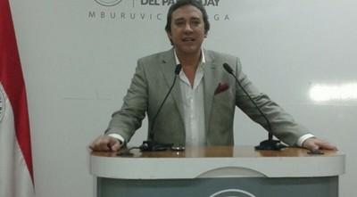 Embajador en Uruguay fue convocado por Abdo Benítez