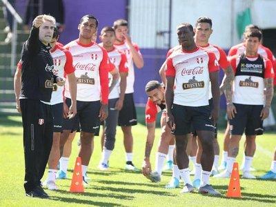 Perú ya se entrena en Montevideo