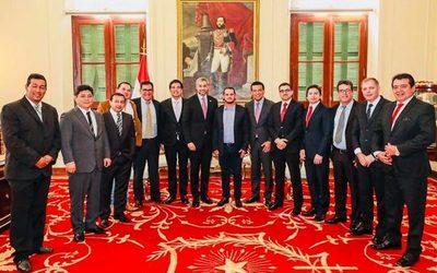 Intendentes de Alto Paraná se reúnen con Mario Abdo