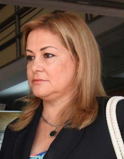 """Legisladores son unos """"grandes criminales de cuellos blanco"""" según Esther Roa"""