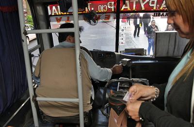 Transportistas levantan paro y Viceministerio instalará mesa para fiscalizar a empresas irregulares