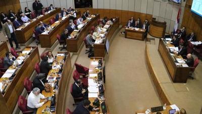 Ministro del Interior respondió preguntas de senadores en sesión de interpelación
