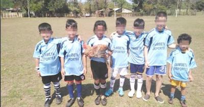 Arman torneo de fútbol y el premio ¡es un gallito!