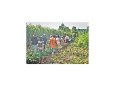 Antropólogos respaldan reclamo de tierra de los avá guaraní a la Itaipú