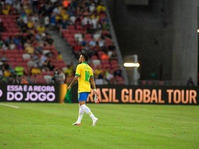 Senegal amarga a Neymar su partido Cien con Brasil