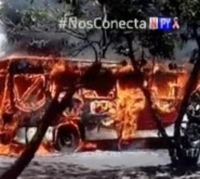 Otra chatarra arde en Asunción