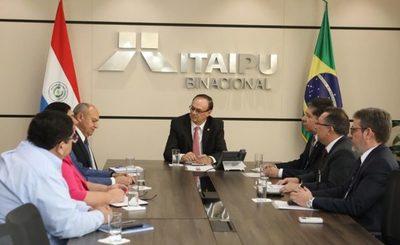 Itaipu llama a concurso para llenar 68 vacancias en diversas direcciones