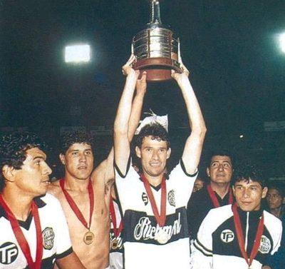 La revelación de Vicente Amarilla sobre la Final del 90