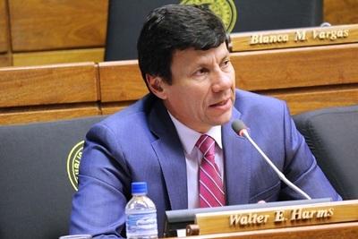 """Diputado acusa a Uruguay de """"faltar el respeto a nuestro país."""