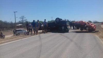 Camioneta que iba al Rally volcó en Mariscal Estigarribia