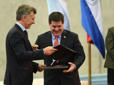 Nuevo proyecto de la oposición para derogar acuerdo Cartes-Macri