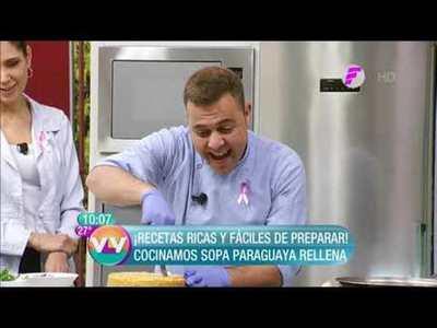 Sopa paraguaya rellena y costillitas con huevo frito