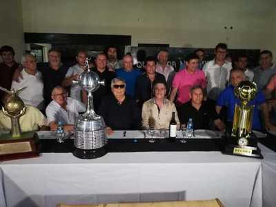 Plantel campeón de América del 90 celebra junto a ODD un aniversario más